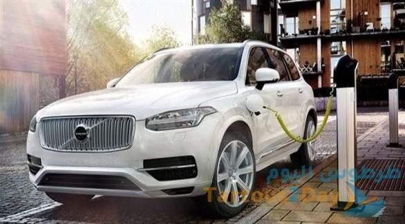 شركة فولفو ستطرح السيارات الكهربائية بحلول عام 2030 والمبيعات عبر الإنترنت .