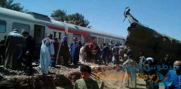 مصر : تصادم قطارين في سوهاج وسقوط عشرات الضحايا والجرحى .