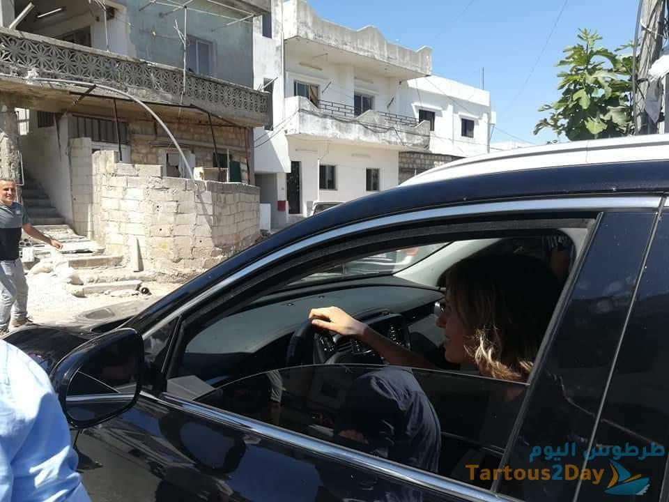 السيدة الأولى اسماء الأسد و نجلها كريم الأسد يقدمون واجب العزاء في الشيخ بدر بريف طرطوس ( صور )