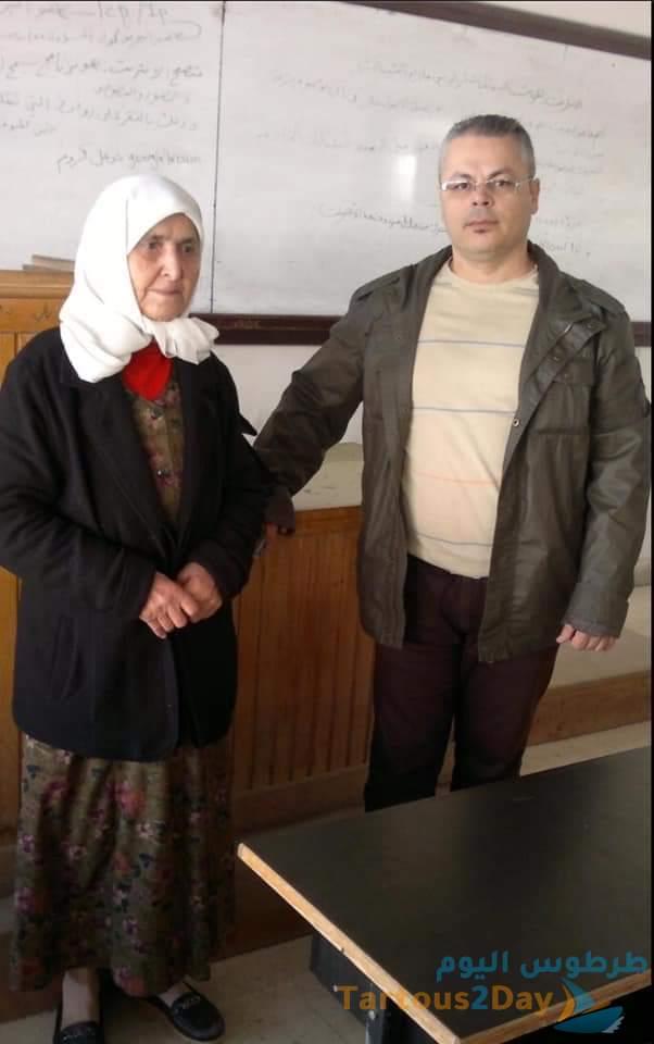 الدكتور ثائر ابراهيم و الطالبة نجلاء برغل